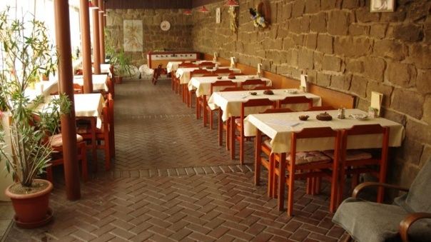 Our restaurant provides a pleasant sitting in the smoking and non-smoking environment